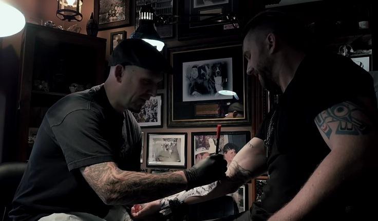 https://threedaysgrace.com/2015/12/23/neil-s-fallen-angel-tattoo/